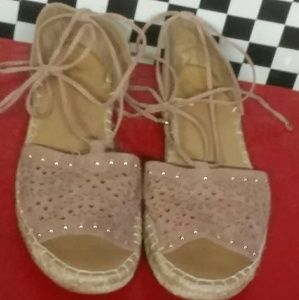 Report Shoes - Report rose colored leather sandals tie leg7.5